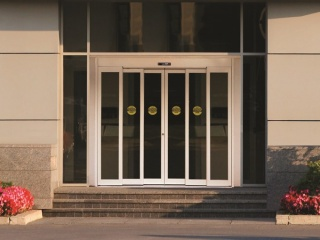 Telescoping-doors-1