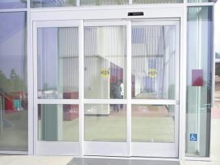 Telescoping-doors-2