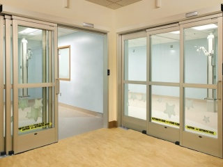 Touchless-sliding-ICU-door-3