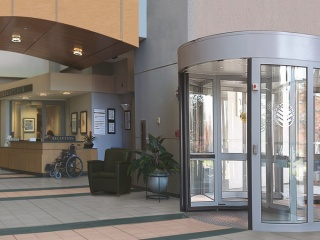 Two-wing-high-capacity-revolving-door-5