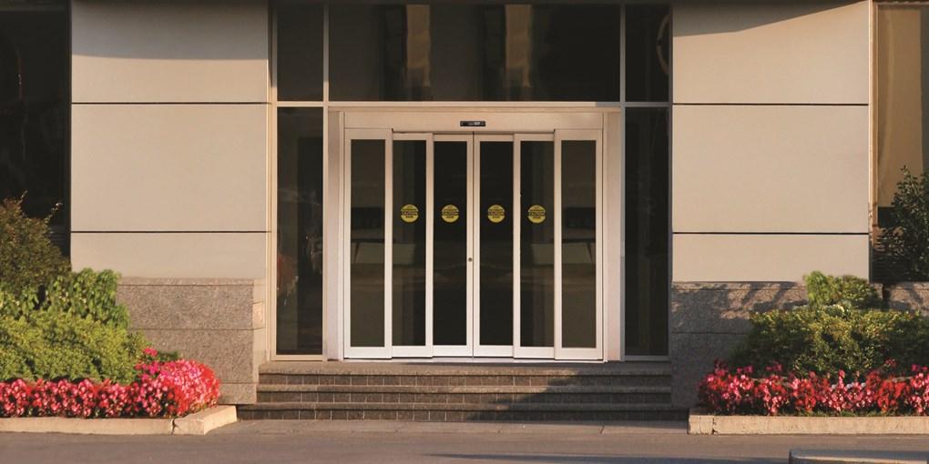 Telescoping Doors 1